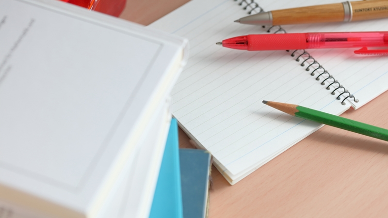 ペットシッター資格取得の勉強、資格の費用について